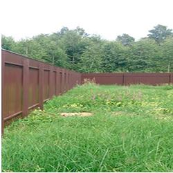 Забор из профлиста вертикальный в уголке