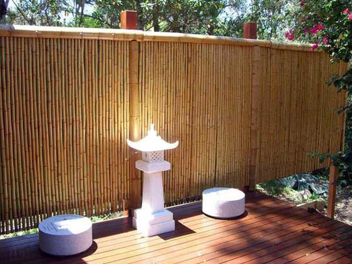 Бамбуковое ограждение может быть красивым
